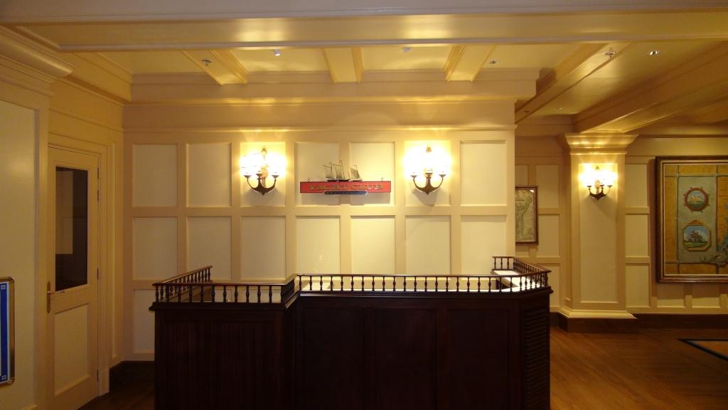 Rénovation de l'hôtel Disney's Newport Bay Club (photos de l'intérieur des chambres page 2) - Page 22 Dsc02813