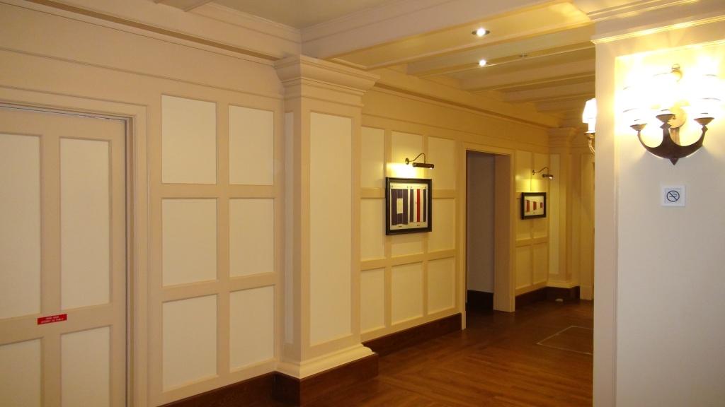 Rénovation de l'hôtel Disney's Newport Bay Club (photos de l'intérieur des chambres page 2) - Page 22 Dsc02815