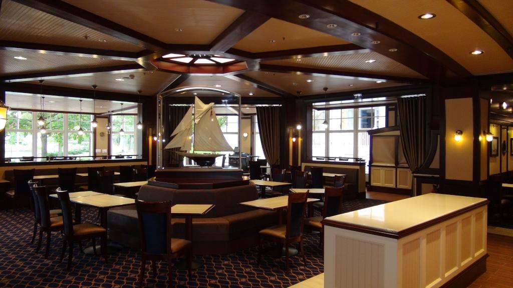 Rénovation de l'hôtel Disney's Newport Bay Club (photos de l'intérieur des chambres page 2) - Page 22 Dsc02818