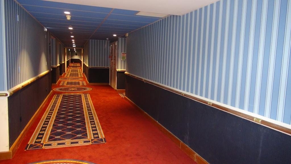 Rénovation de l'hôtel Disney's Newport Bay Club (photos de l'intérieur des chambres page 2) - Page 22 Dsc02915