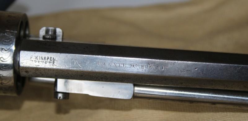 Identification vieux revolver (suisse?) Img_3213