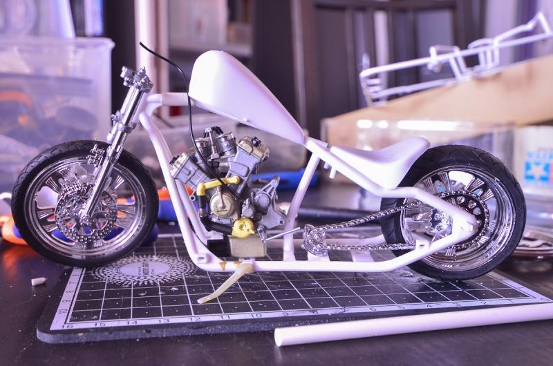 CSOEBWHMGPV5MIOTFTKRV5BRSD ou HRC V5 (Honda Racing Chopper V5) 20140950