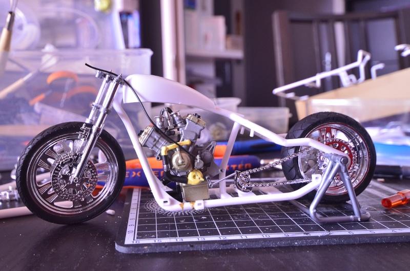 CSOEBWHMGPV5MIOTFTKRV5BRSD ou HRC V5 (Honda Racing Chopper V5) 20140951