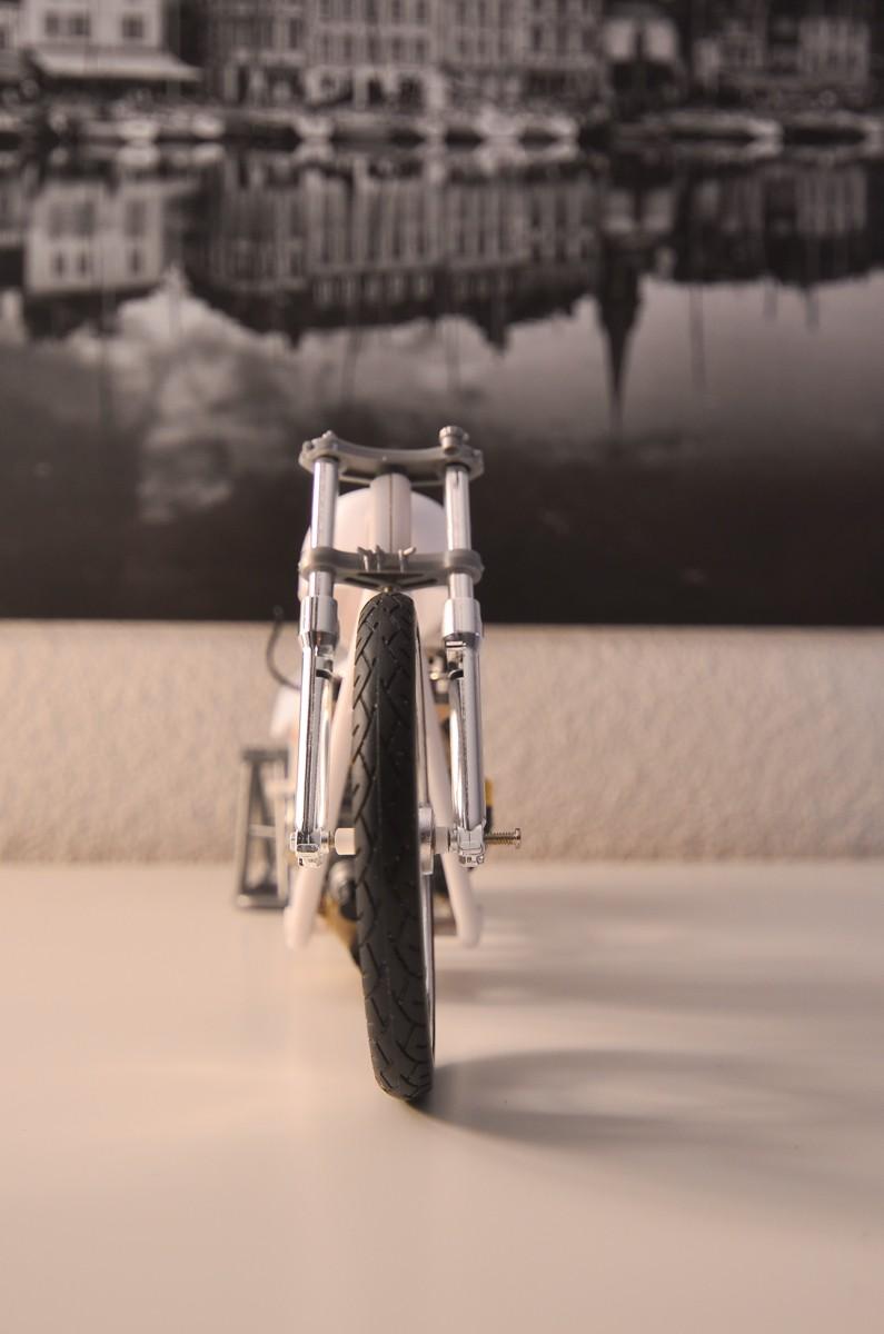 CSOEBWHMGPV5MIOTFTKRV5BRSD ou HRC V5 (Honda Racing Chopper V5) 20141011