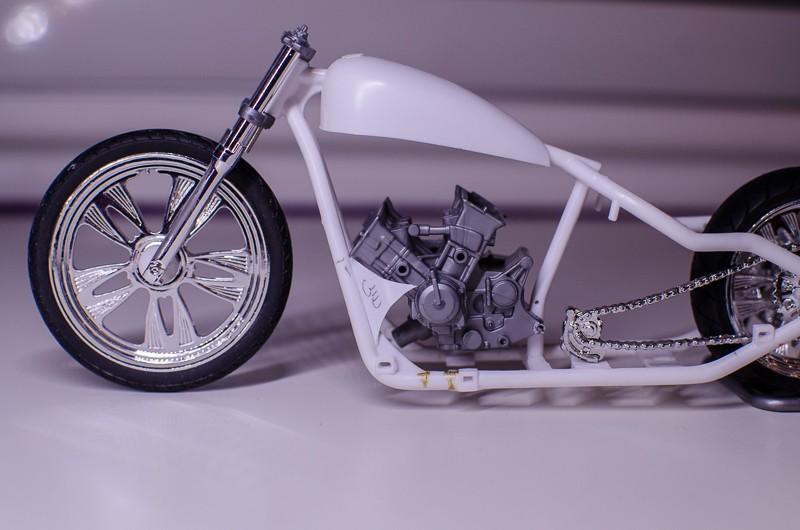CSOEBWHMGPV5MIOTFTKRV5BRSD ou HRC V5 (Honda Racing Chopper V5) 20141018
