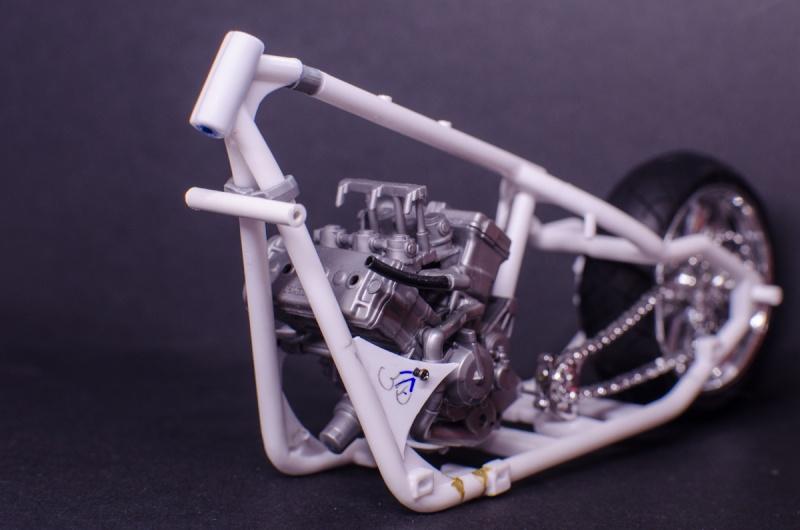 CSOEBWHMGPV5MIOTFTKRV5BRSD ou HRC V5 (Honda Racing Chopper V5) - Page 2 20141048