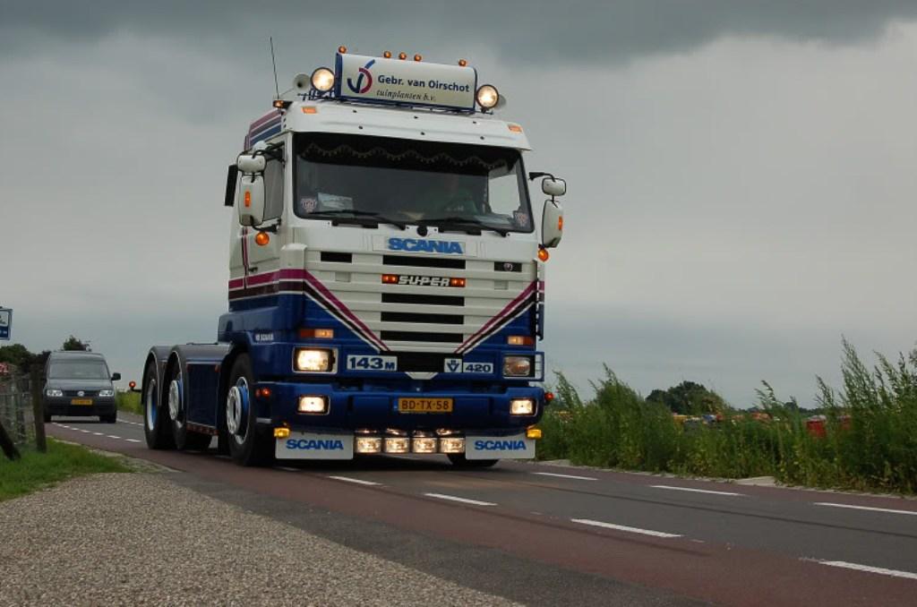 Scania série 112 142 113 143. - Page 4 Sca_310