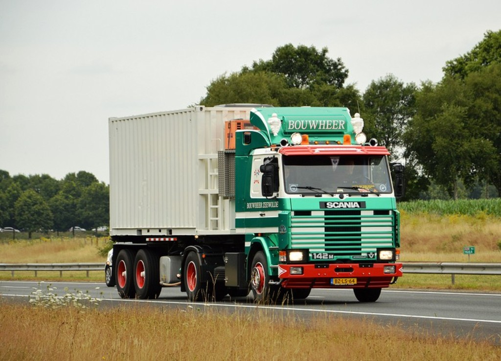 Scania série 112 142 113 143. - Page 4 Sca_510