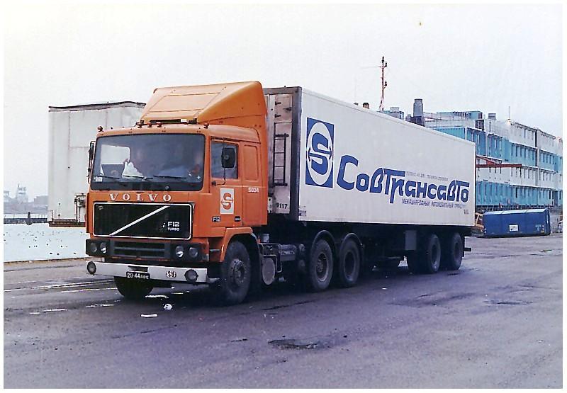 Volvo F 10,12 et 16. - Page 3 Volvo_10