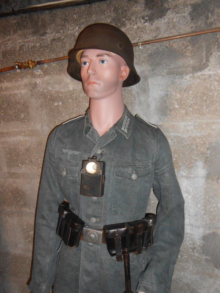 Le tenue Drillich (les treillis allemands) Dscn7828