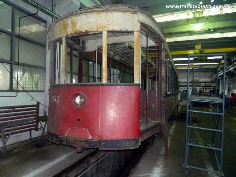 Tramvaie de epocă restaurate la TCE Ploiești 10617311