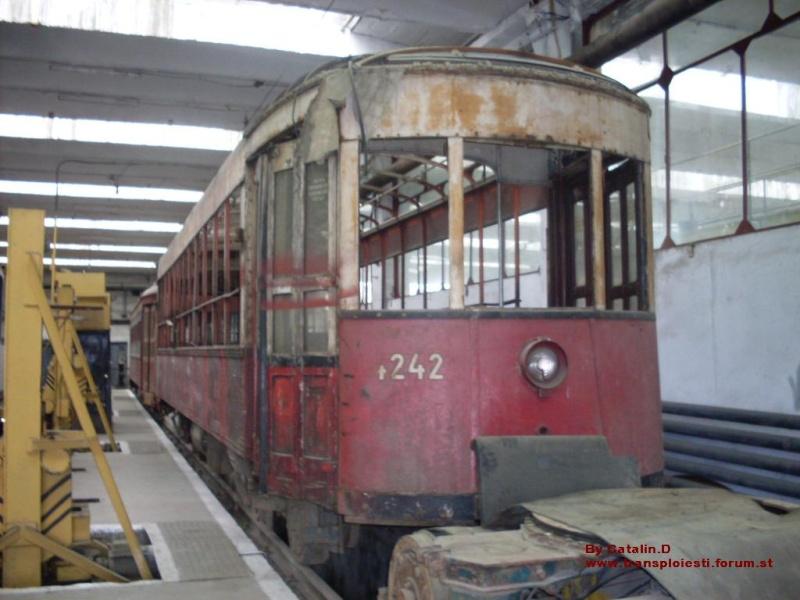 Tramvaie de epocă restaurate la TCE Ploiești Sdc10111