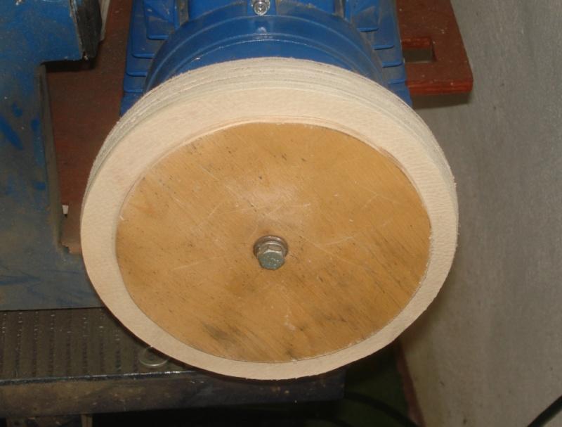 Fabrication de roues en tissus pour dremel - Page 2 Dsc05031