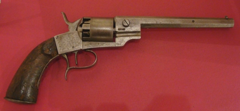 Identification vieux revolver (suisse?) F-kina10