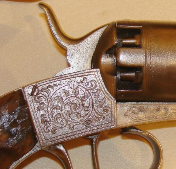 Identification vieux revolver (suisse?) F-kina11