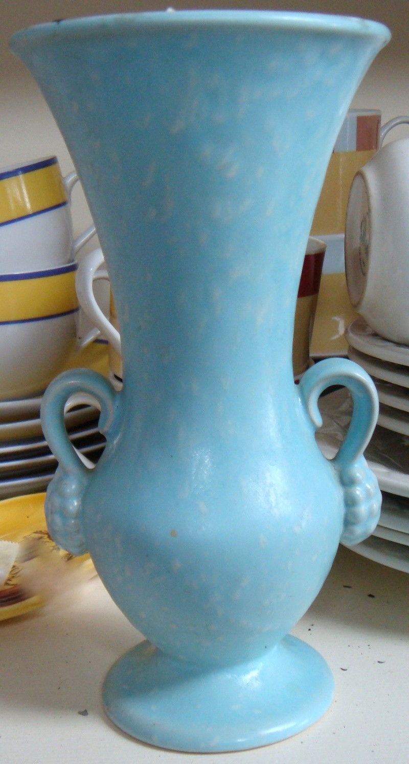 Which pieces of Titian pottery were copied from overseas potteries? Dsc02412