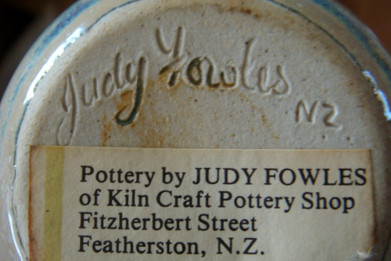 Judy Fowles - Kiln Craft Pottery Shop Dsc02511
