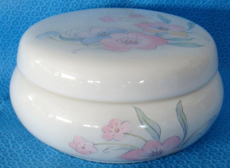 Wanganui Ceramics bowl Dsc02617