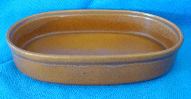 What shape is this odd Cook & Serve pot & lid please? Dsc03112