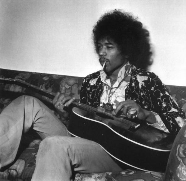 Ses guitares 1967-010