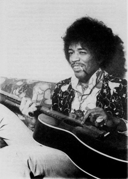 Ses guitares 1967-011