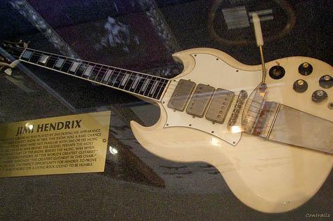 Ses guitares Sgcave10