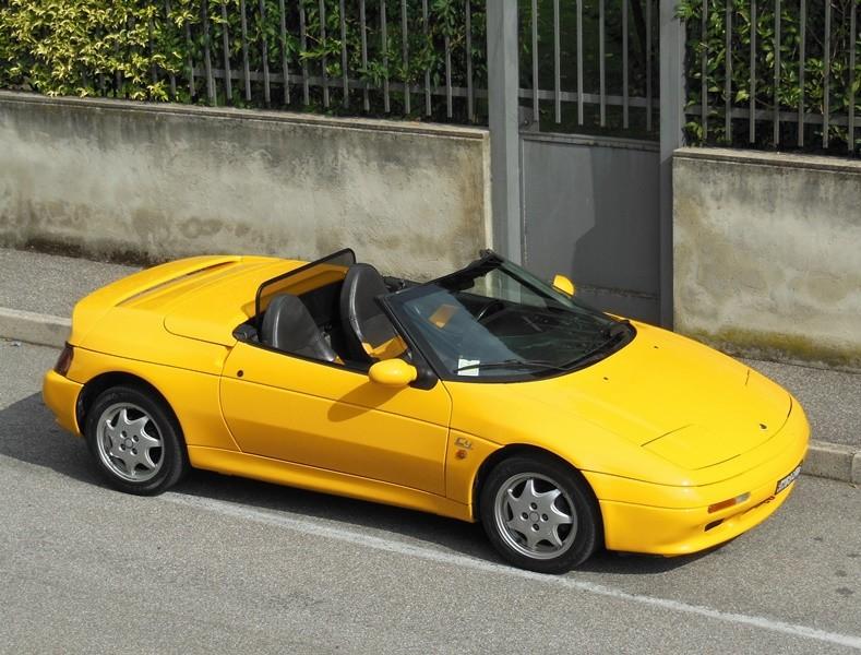 Differenze tra vari modelli Lotus Elan anni 90 Lady_y10