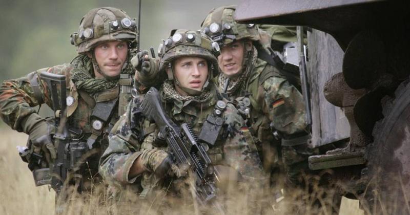 L'influence du camouflage allemand ww2, de nos jours. 03-bun10