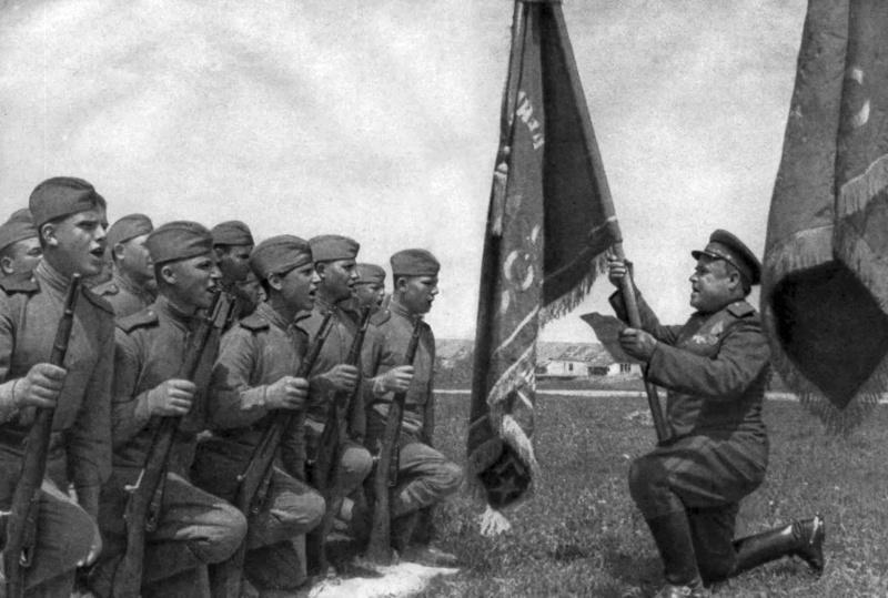 1945, la Wehrmacht et l'armée américaine attaquent l'Union Soviétique ! - Page 4 113