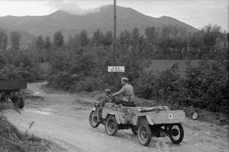 Les troupes de la Luftwaffe en Italie - Page 6 4410