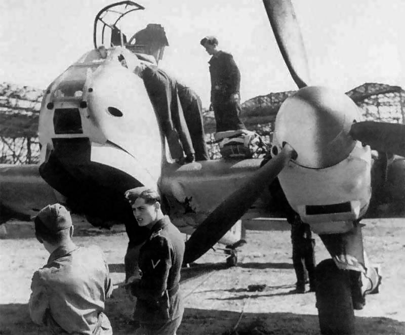 Les Calots de la Luftwaffe 5610