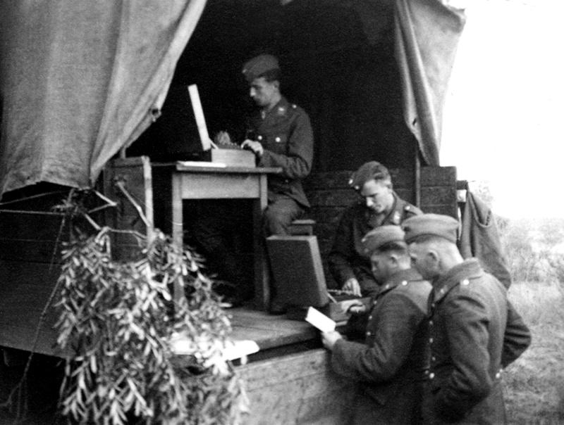 Les transmissions dans la Luftwaffe - Page 2 6988410