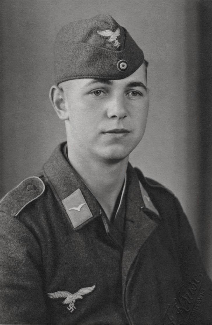 Les Calots de la Luftwaffe 85010