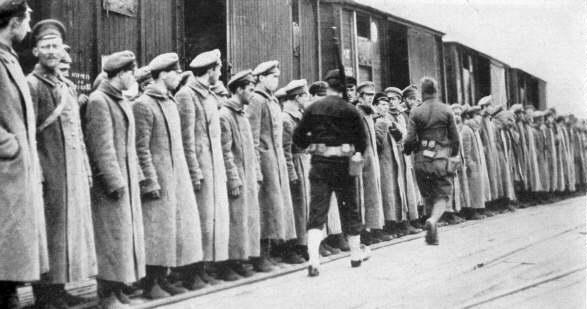 1945, la Wehrmacht et l'armée américaine attaquent l'Union Soviétique ! - Page 4 Bolpri10