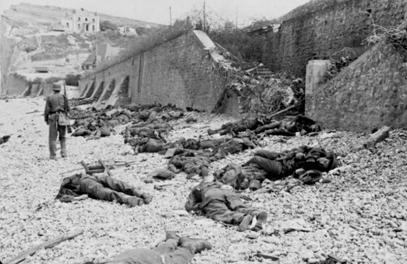 1945, la Wehrmacht et l'armée américaine attaquent l'Union Soviétique ! - Page 4 D10