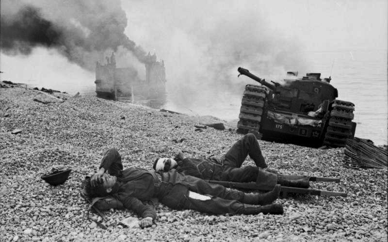 1945, la Wehrmacht et l'armée américaine attaquent l'Union Soviétique ! - Page 4 D310
