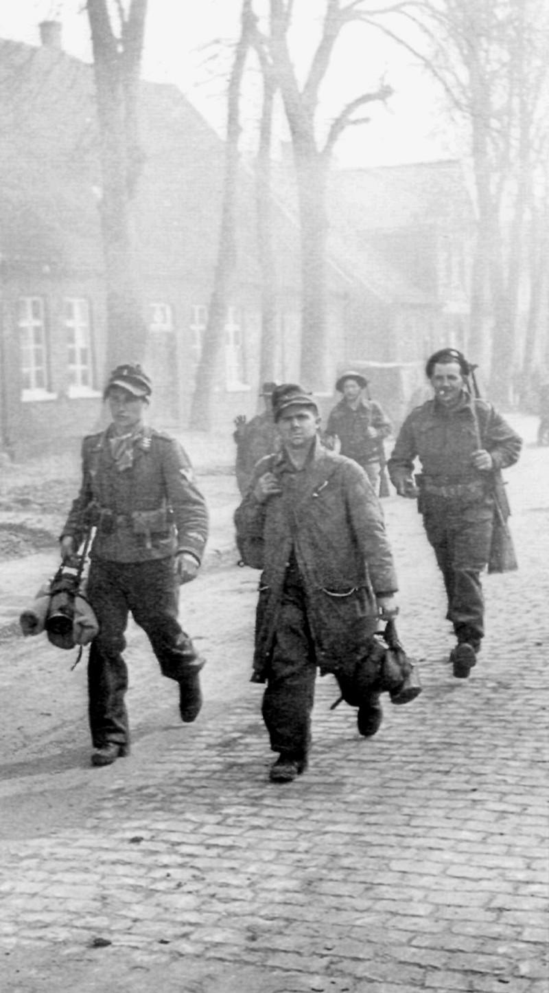 Prisonniers de la Luftwaffe Dghjdf10