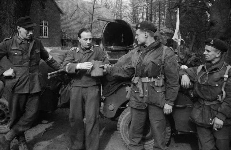 Prisonniers de la Luftwaffe Eazfzu10