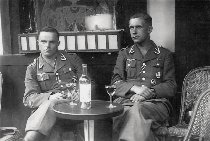 Les soldats de la Luftwaffe au repos ! - Page 2 Ery67910