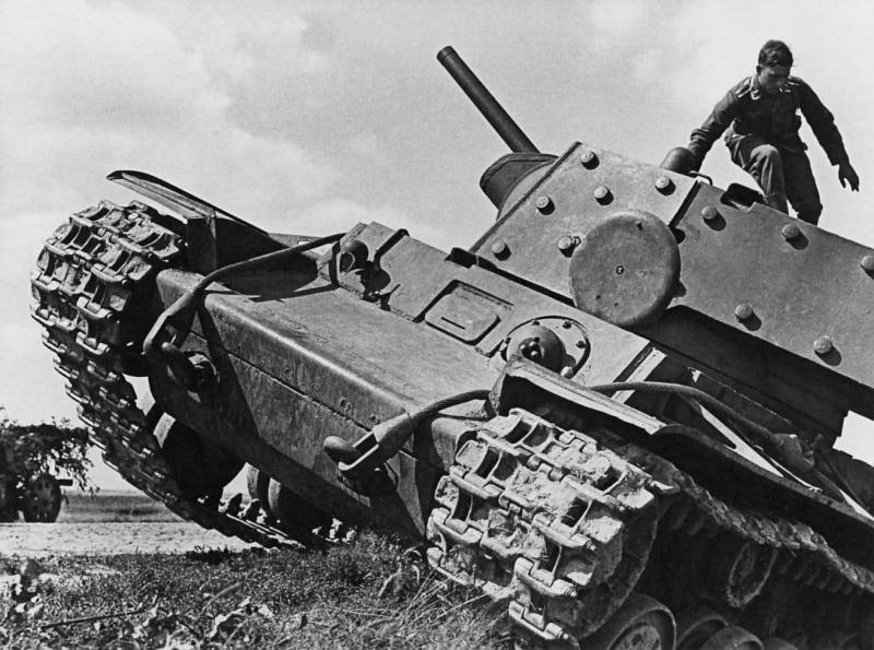La Luftwaffe sur le Front de l'Est - Page 3 Kv110