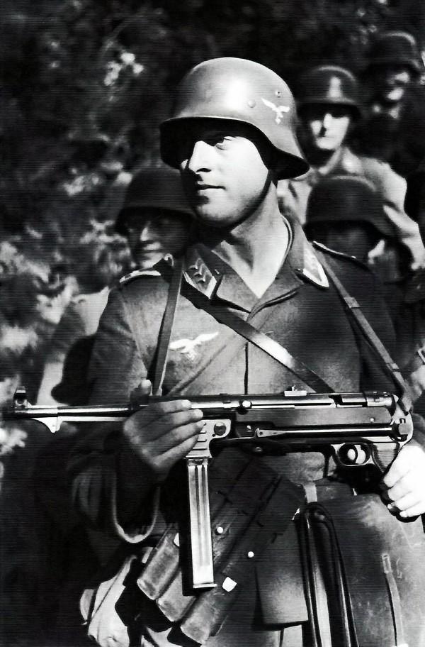 Soldats de la Luftwaffe - Page 6 Lw10
