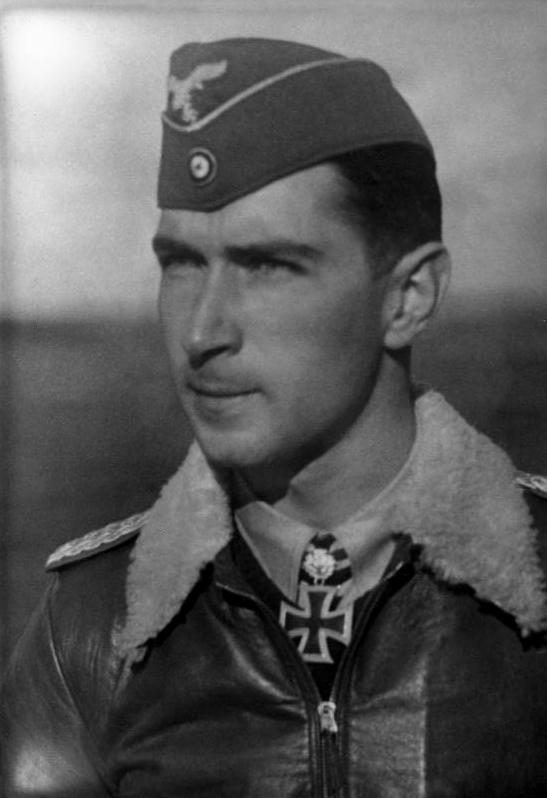 Les Calots de la Luftwaffe M10