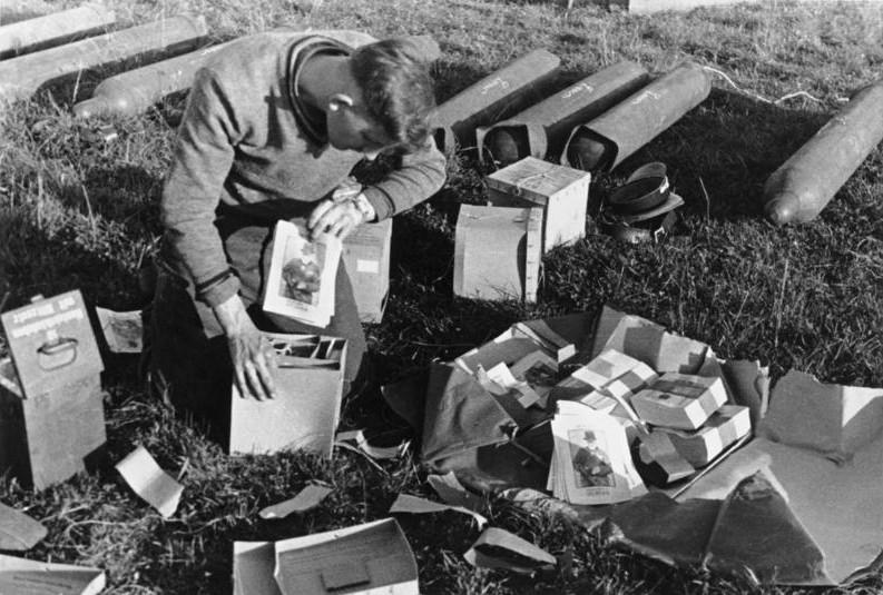 Les correspondants de guerre (Kriegsberichter) de la Luftwaffe - Page 2 P10