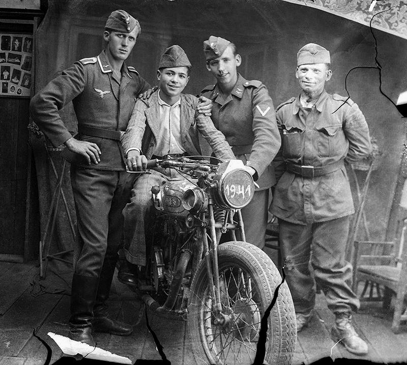 Les Calots de la Luftwaffe Th11