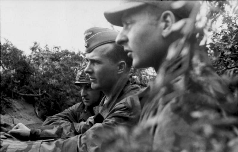 Les Calots de la Luftwaffe Uk10