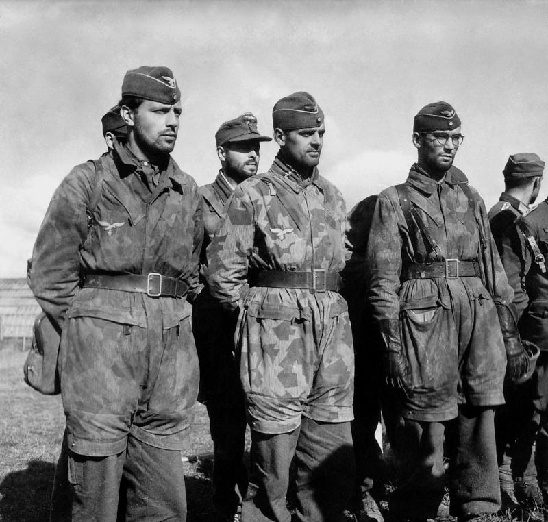 Les Calots de la Luftwaffe Ze610