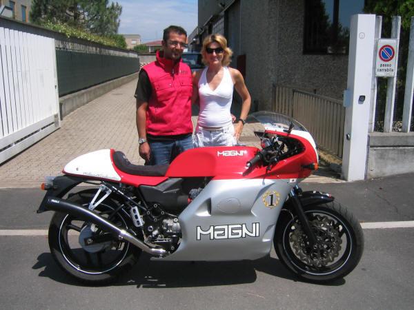 Une 1100 Sport Carbu <3 what else.... Man_1210