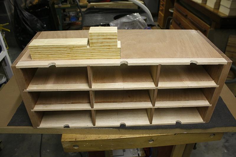 [Fabrication] Un meuble à 9 tiroirs - Page 2 Jusque10