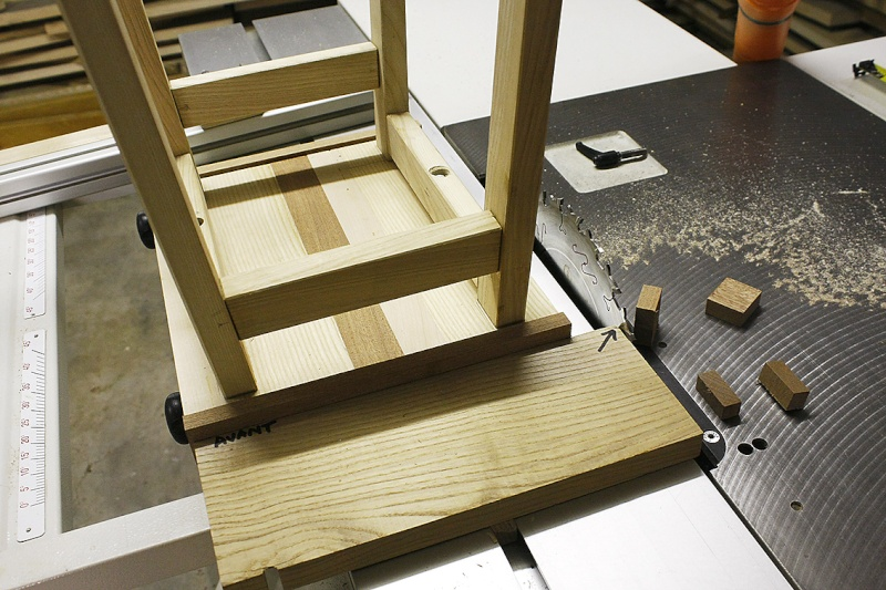 [Fabrication] Un tabouret - Page 2 Tombye11