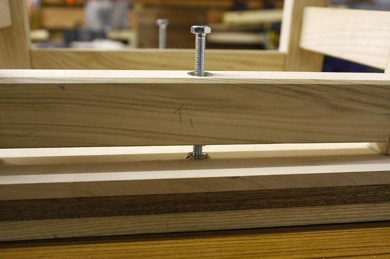 [Fabrication] Un tabouret - Page 2 Trop-g10